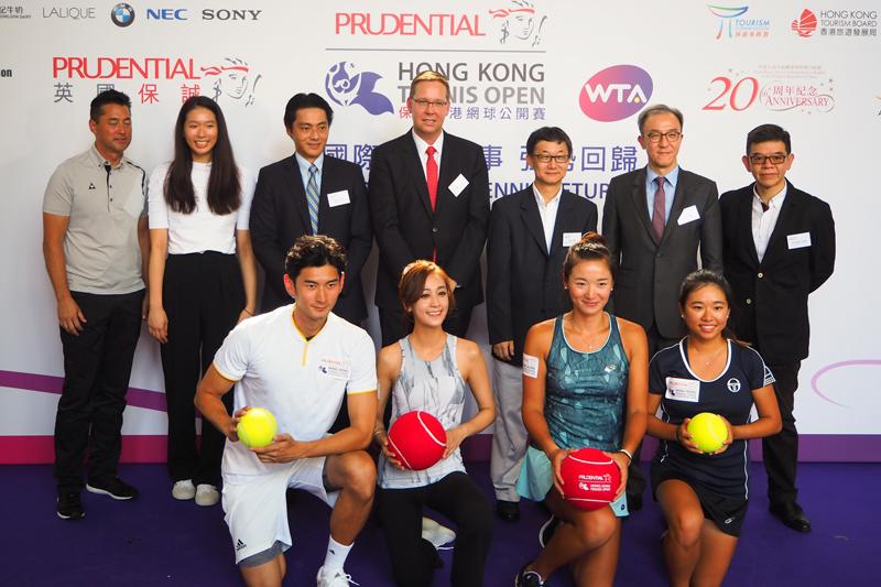 出席記者招待會的香港網球代表與眾嘉賓合照。