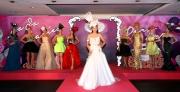 圖 6、7、8、9<br> 徐子珊、岑麗香及多位名模率先於記者會上預演一場精彩的時裝帽飾表演。