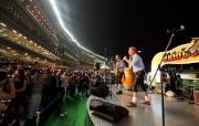 圖 3、4<br> EMS樂隊專誠由德國抵港表演,大唱德國民謠。