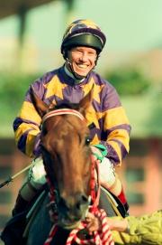 曾夥拍三冠馬王「翠河」的七屆香港冠軍騎師馬佳善