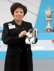馬主郭羅桂珍為其愛駒「美麗大師」抽得5檔。