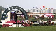 圖1, 2, 3: 由高伯新訓練、柏士祺策騎的「誰可拼」(5號馬),壓倒?侶「大運財」(黃及紅帽),勝出今日於沙田馬場舉行的香港二級賽短途錦標(草地1200米)。