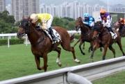 莫雷拉夥拍「福愛寶」攻下今日在沙田舉行的康乃馨讓賽,勝出其季內第一百一十五場頭馬,打破了韋達所創下一季勝出一百一十四場頭馬的最高紀錄。