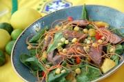 自助餐加入巴西特色美食,讓你一嚐獨特的拉丁風味 。