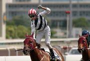 圖1,2,3: 羅理雅夥拍約翰摩亞馬房的「風花雪月」(4號)勝出太子珠寶鐘錶精英盃(香港三級賽)。