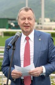 馬會行政總裁應家柏總結2014/15馬季業績。