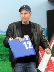 浪琴表香港一哩錦標 –練馬師蔡約翰為旗下參賽馬「詠彩繽紛」抽得第12檔。