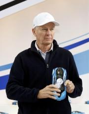練馬師約翰摩亞為旗下戰馬「凱旋生輝」抽得2檔。