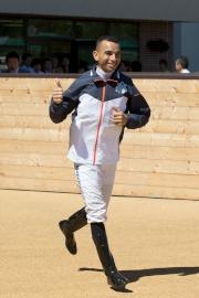 莫雷拉在札幌競馬場亮相。