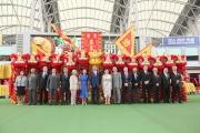 香港特別行政區政務司司長林鄭月娥女士、馬會主席葉錫安博士及夫人、香港特別行政區行政長官夫人梁唐青儀女士、行政總裁應家柏(右六)及一眾董事合照。