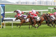 Last season��s Champion Griffin Mr Stunning (in red) edged past his opponents to win a Class 3 1200m event at Sha Tin in April.