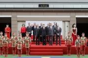 國慶賽馬日開幕禮於沙田馬場馬匹亮相圈舉行,中華人民共和國外交部駐香港特別行政區特派員公署副特派員宋如安(前排左二)、香港賽馬會主席葉錫安博士(前排右二)、香港賽馬會主席副周永健(前排左一)、董事及行政總裁應家柏(前排右一)一同出席開幕禮。