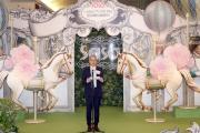莎莎國際控股有限公司主席及行政總裁郭少明博士於第十二屆莎莎婦女銀袋日記者招待會上致歡迎辭。