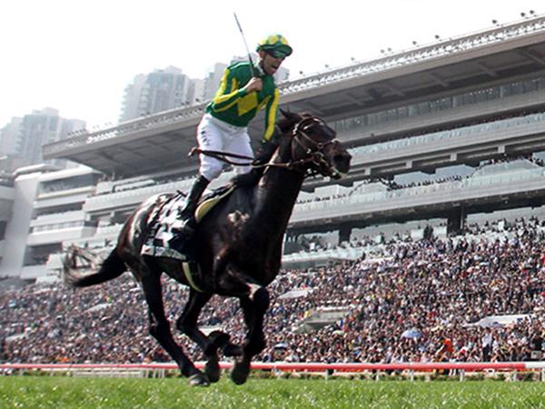 莫雷拉憑「里見皇冠」攻下浪琴表香港瓶