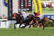 法國騎師巴度憑「超有利」取得其在港的首場頭馬。