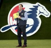 浪琴表香港短途錦標 –來自澳洲的參賽馬「記錄在案」的馬主代表為該駒抽得第6檔。