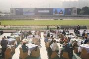 圖1, 2, 3, 4, 5<br> 「與星相聚場畔早餐會」是不少馬迷共享天倫的好機會,同時難得可近距離觀看明天出戰浪琴表香港國際賽事的海外駿馬操練。