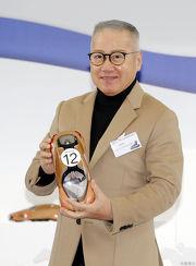 「美麗傳承」的馬主代表郭少明為該駒抽得12檔。