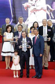 蔡約翰上季第八度登上香港冠軍練馬師寶座。