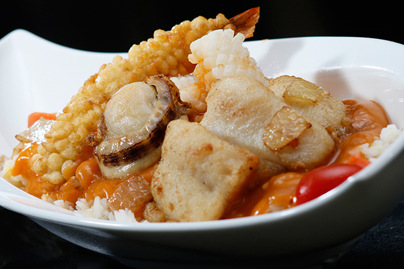 Baked Seafood Rice in Lobster Sauce  (Cutlet Prawn, Fish Fillet, Squid & Scallop) - $60