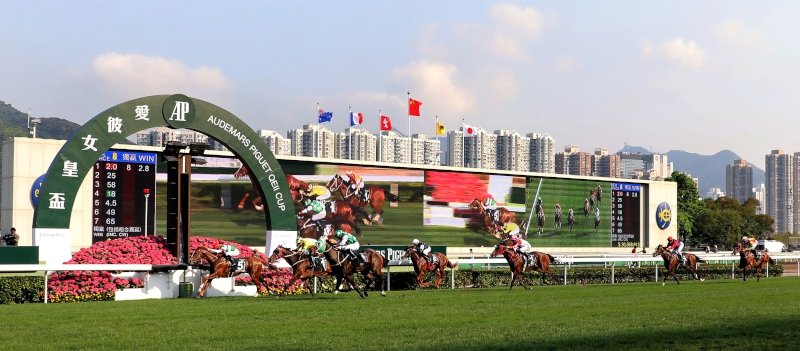 Neorealism with Joao Moreira in the saddle claims the Audemars Piguet QEII Cup (Group 1-2000M).